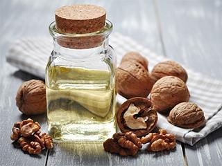 Масло грецкого ореха для ухода за кожей