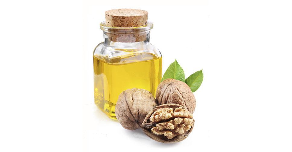 Как правильно использовать масло грецкого ореха для лица: эффективные рецепты для разных типов кожи, меры предосторожности