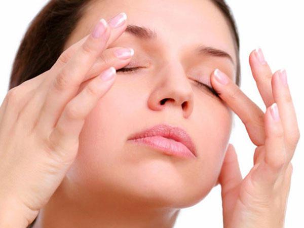 Убрать морщины вокруг глаз и подтянуть кожу под глазами. Для красивых глаз и хорошего зрения. Упражнения для кольцевой мышцы глаза.
