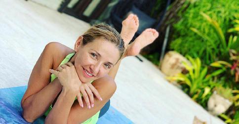 Только естественность: 43-летняя Татьяна Навка показала «честные» снимки со своих каникул