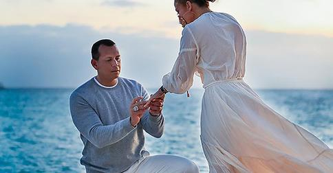 Снова невеста: Дженнифер Лопес получила предложение от Алекса Родригеса и кольцо за 4,5 миллиона долларов