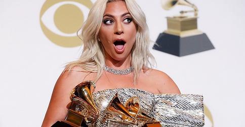 «Вынашиваю альбом»: Леди Гага отрицает беременность